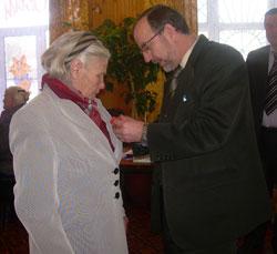 Вручение медалей к 65-летию Победы